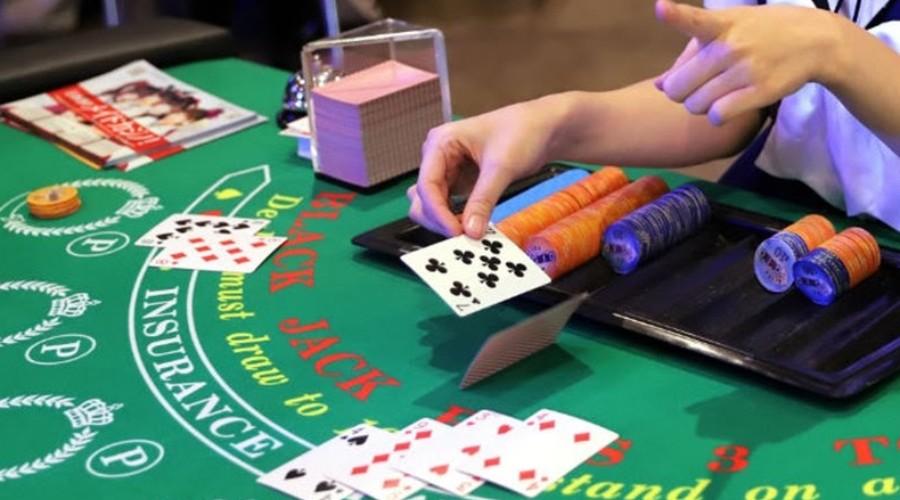 """Bí kíp đánh bài Blackjack trên nhà cái FB88 giúp """"ăn tiền"""" lớn"""