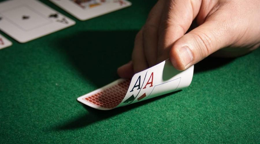 Kiểm soát tâm lý tốt khi chơi bài Blackjack tại FB88